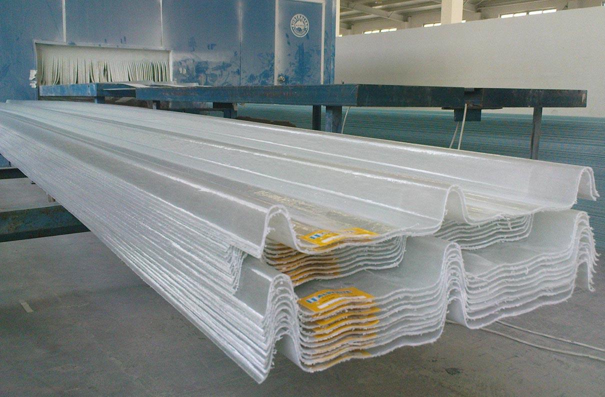 So sánh nhựa Poly - Mica - Composite với ứng dụng lợp mái lấy sáng
