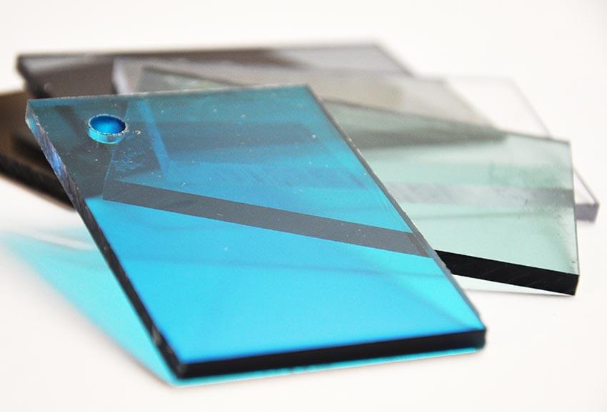Tấm lợp lấy sáng polycarbonate đặc ruột Solarflat 4mm