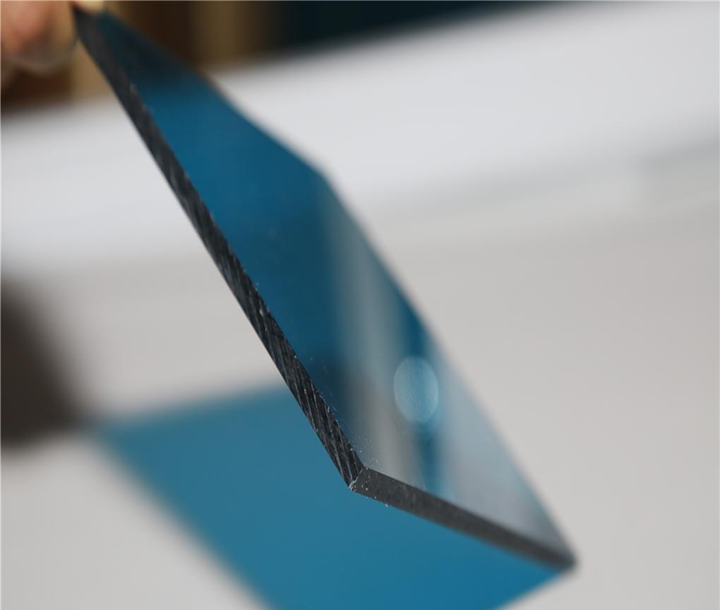 Tấm lợp lấy sáng polycarbonate đặc ruột Solarflat 5mm